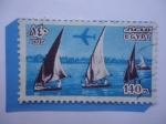 Sellos del Mundo : Africa : Egipto : Barcos de Vela en el Nilo- Serie: Hitos, Símbolos y Obras de Arte.