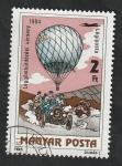 Sellos del Mundo : Europa : Hungría : 452 - II Centº de la ascensión del hombre en globo, carrera de coche y globo