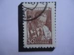 Stamps : Europe : Russia :  URSS- Bacteriologo en el Microscopio - Sere: Emisión Definitiva N° 8.