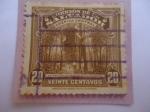Stamps El Salvador -  Extracción del Bálsamo en EL Salvador.
