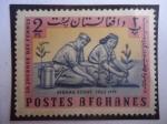 Sellos del Mundo : Asia : Afganistán : Afghan scout, 1963 - Exploradores Plantando Árboles - Niño y Niña Scouts.