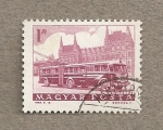 Stamps Hungary -  Autobús y parlamento en Budapest