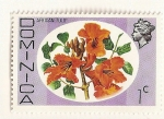 Stamps : America : Dominica :  Tulipan africano.