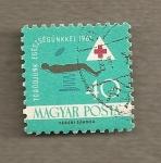 Sellos de Europa - Hungría -  Cruz roja, hombre sobre mesa operaciones