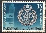 Stamps Asia - Pakistan -  CENTENARIO  DE  LA  FUERZA  POLICIAL.  CRESTA  Y  MANO.