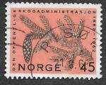 Sellos del Mundo : Europa : Noruega :  406 - Rama de Abeto