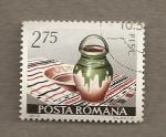 Stamps Romania -  Jarrón sobre mantel