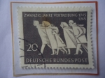 Stamps : Europe : Germany :  Zwanzig Jahre Vertreibung, 1945-1965- 20°Aniversario de Desplazamiento- Afluencia de Alemania del Es