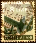 Stamps Italy -  Democracia. Hammer that Breaks a Chain