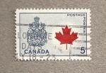 Stamps America - Canada -  Hoja de arce y escudo