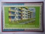 de America - El Salvador -  Edificios Multifamiliares Construidos por I.V.U.(1958)-La Vivienda Social en El Salvador- Sello de 2