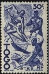 Stamps Africa - Togo -  Indígenas dedicados a la extracción de aceite de palma.