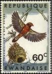 Stamps Africa - Rwanda -  Aves de Rwanda. Tejedor de pico rojo y su nido.