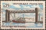 Sellos de Europa - Francia -  Puente de Martrou a Rochefort