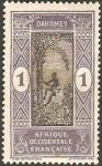 Stamps Africa - Benin -  Dahomey - subiendo al arbol a por fruta (africa occidental francesa)