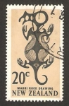 Stamps of the world : New Zealand :  Diseño de un fósil Maori
