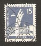 Sellos de Europa - Alemania -  Berlin - Monumento al Puente Aéreo