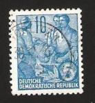 Sellos de Europa - Alemania -  190 - campesino y obreros