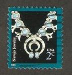 Sellos de America - Estados Unidos -  3573 - Collar de la tribu Navajo
