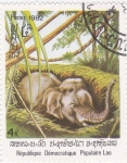 Sellos de Asia - Laos -  cria de elefante