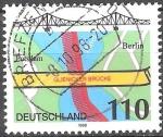 Sellos de Europa - Alemania -  Puente Glienicke a través de la Havel entre Potsdam y Berlín.
