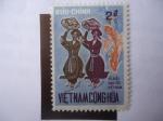 Sellos de Asia - Vietnam -  Buu-Chinh-Viet-nam Cong-Hoa-Danza Folclórica de las Minorias Nacionales-Danza Tradicional.