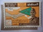 Sellos de Asia - Irak -  General Abdul Karim Kassem (1914/63-4° Aniversario de la Revolución - Apretón de Manos-Bandera.